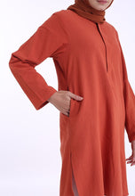 Load image into Gallery viewer, Mahdia Linen Top (Earth Orange)