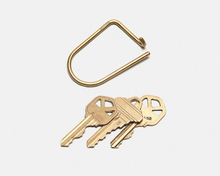 Load image into Gallery viewer, Wilson Keyring Brass