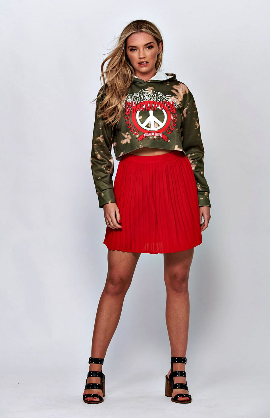 Camo Graphic Cropped Hoodie