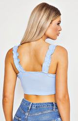 Powder Blue Ruffle Trim Tie Top corto delantero