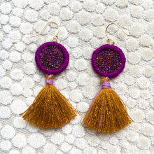 Load image into Gallery viewer, Mini eye tassel earrings