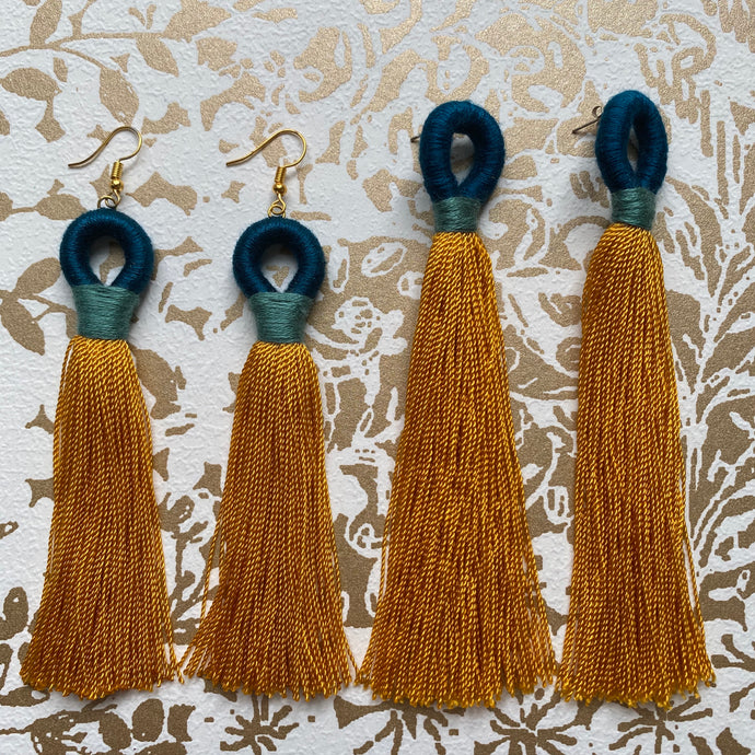 LOOP Tassel Earring