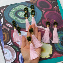Load image into Gallery viewer, Moss and light pink TASSEL Earring