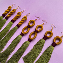 Load image into Gallery viewer, Gold INFINITY green TASSEL Earring