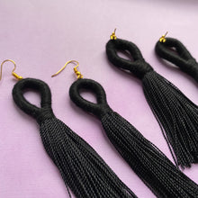 Load image into Gallery viewer, Black LOOP TASSEL Earring