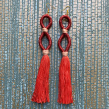 Load image into Gallery viewer, Infinity Tassel Earring
