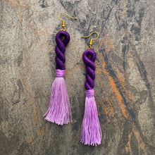 Load image into Gallery viewer, Twist Tassel Earring