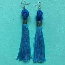 Load image into Gallery viewer, blue KNOT light blue tassel Earring