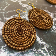 Load image into Gallery viewer, Brown Woven Grass CIRCLE earrings