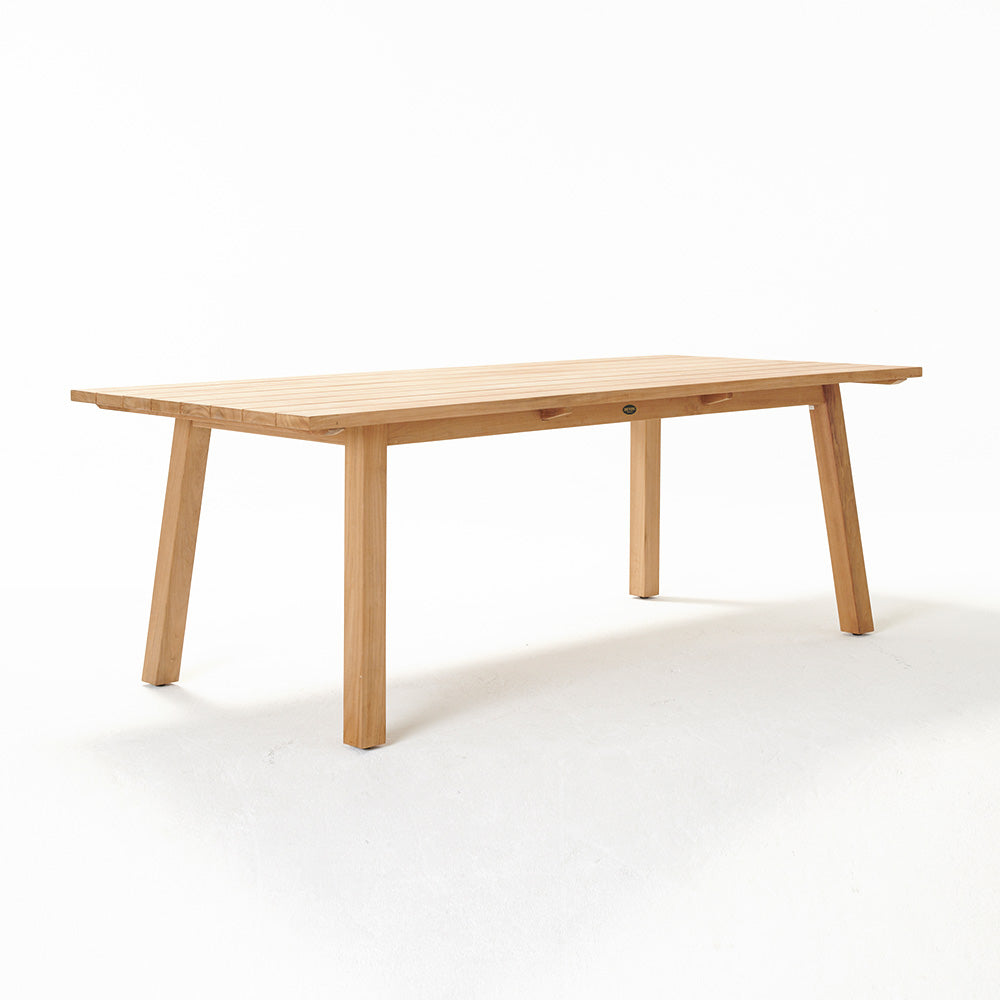 St Clair Dining Table Rec 2200