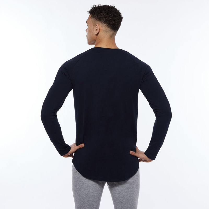 Vanquish Essential SP Navy Long Sleeved T Shirt 4枚目の画像