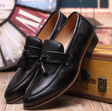 Load image into Gallery viewer, Autumn fringed casual men's leather shoes