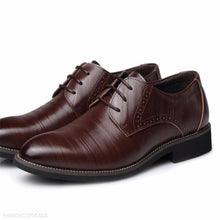 Load image into Gallery viewer, Fashion Business Formal Leather Plain Suit Shoes