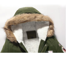 Load image into Gallery viewer, Mens Fleece Lined Patched Detail Hooded Coat