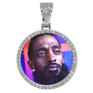Custom Made Round Photo Pendant With AAA Zircon Diamond Border