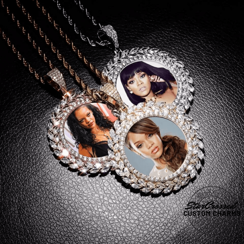Custom Photo Pendant Necklace With Roman Leaf Pattern