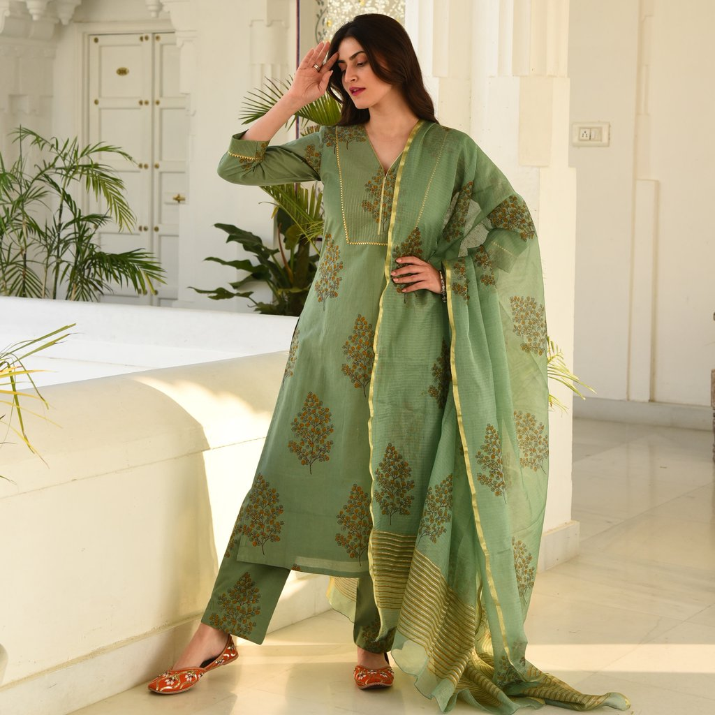 GREEN GOLD DOORIYA SUIT SET