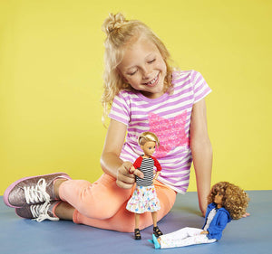 Creatable World Deluxe Character Kit Customizable Doll, Blonde Wavy Hair