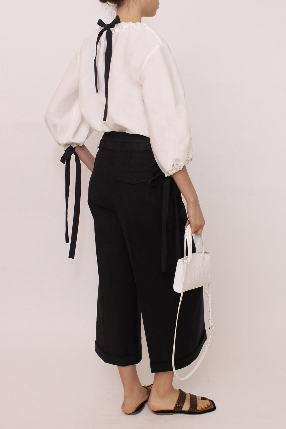 Dana Blouse Linen White Black