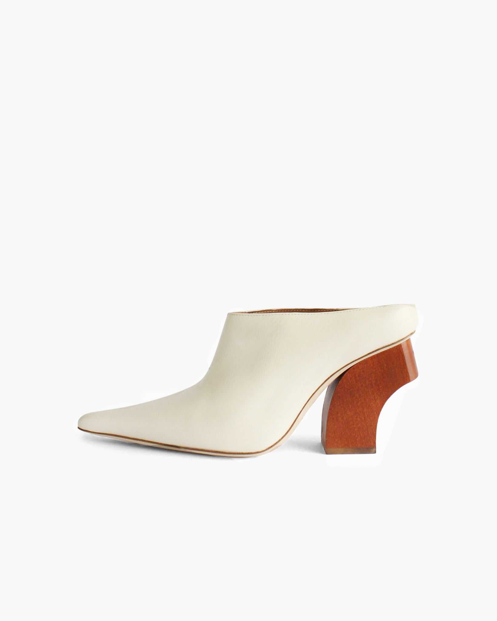 Yasmin Mules Leather Ivory with Curved Natural Wooden Heels