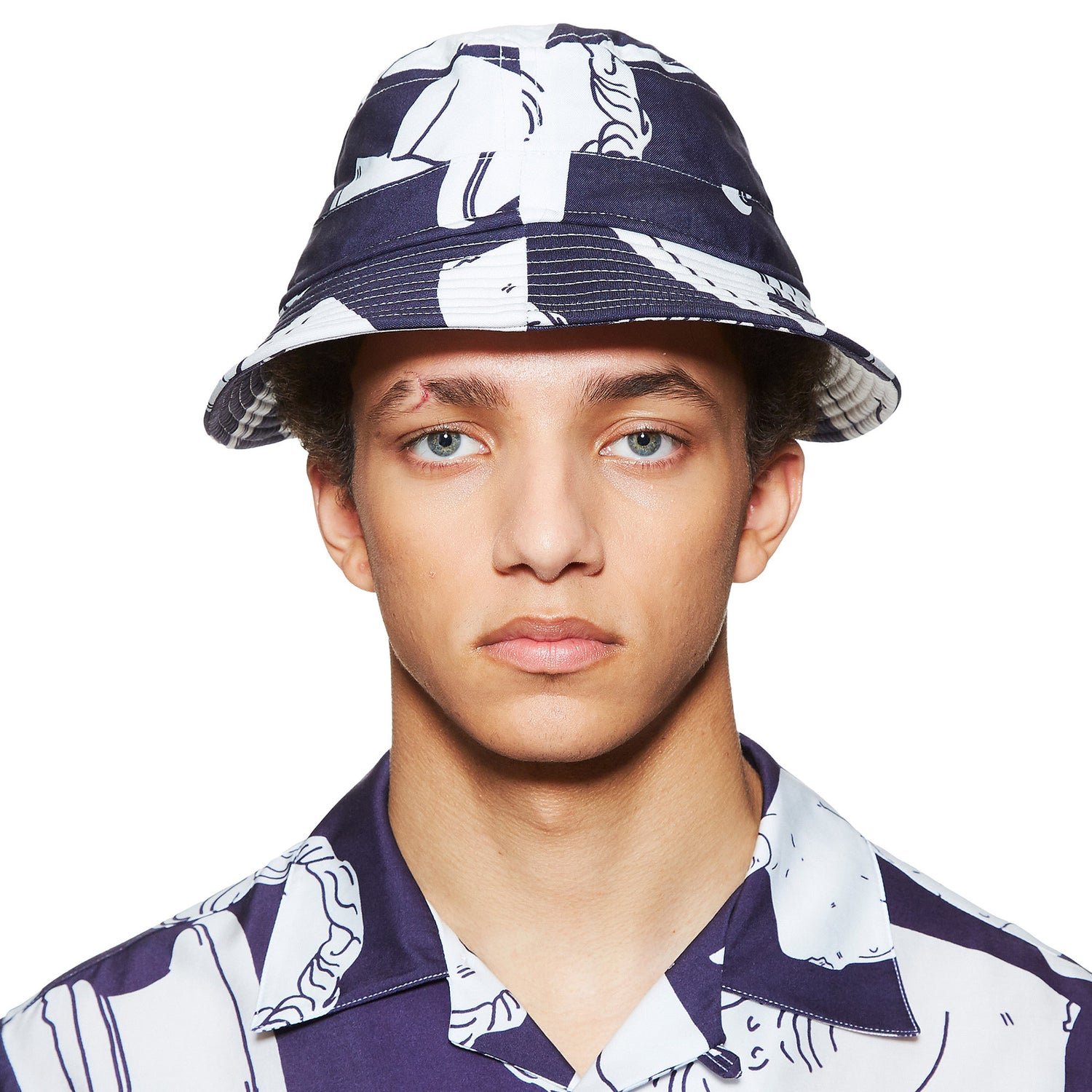 MARBLE PRINT NAVY BUCKET HAT