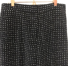 Load image into Gallery viewer, Vince Camuto Lightweight Polka Dot Pants