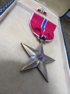 WW2 Issue Original Bronze Star Medal with case