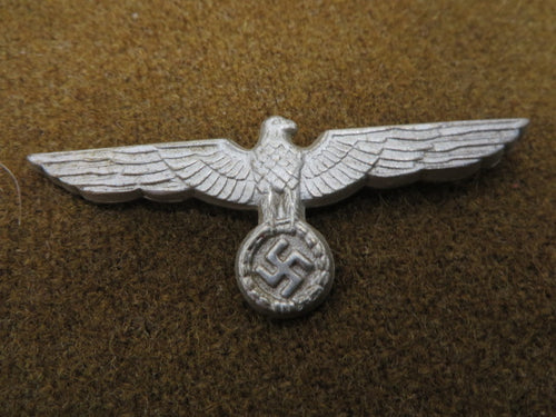 WW2 German Hat Eagle very nice original, the prongs are not broken