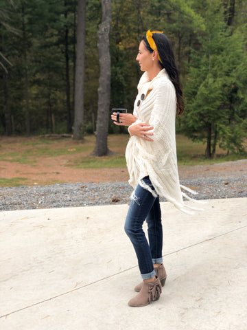 Knit Sweater Poncho Fall Look skinny jeans booties