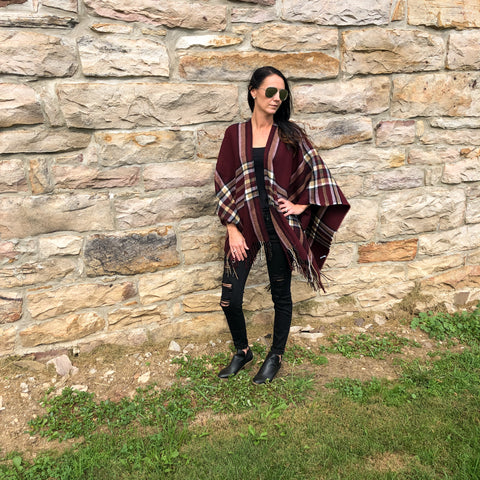 Burgundy Plaid Poncho Fall Look destroyed black jeans booties