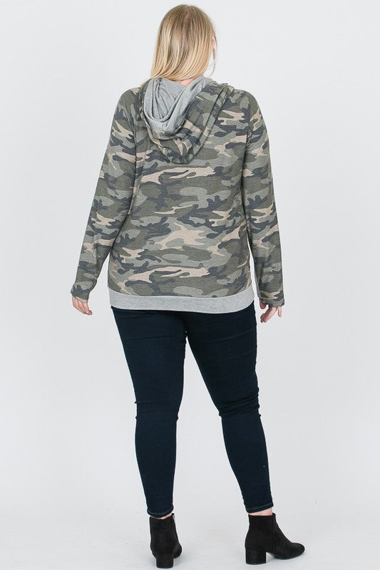 'Things To Do' Curvy Camo Plus Size Hoodie