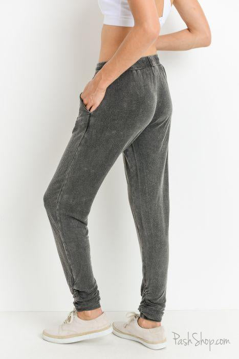Lounging Casual Mineral Wash Shirred Edge Sweatpants - Black
