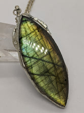 Load image into Gallery viewer, Labradorite with Spiral