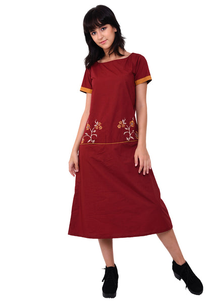 Floral Embroidered Front Pocket Dress - Maroon