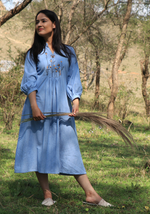 Load image into Gallery viewer, Chambray Wan Blue Lazy Dress