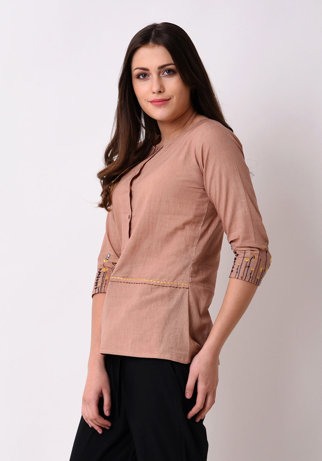 Meadow Front Pocket Embroidered Top - Autumn Blonde