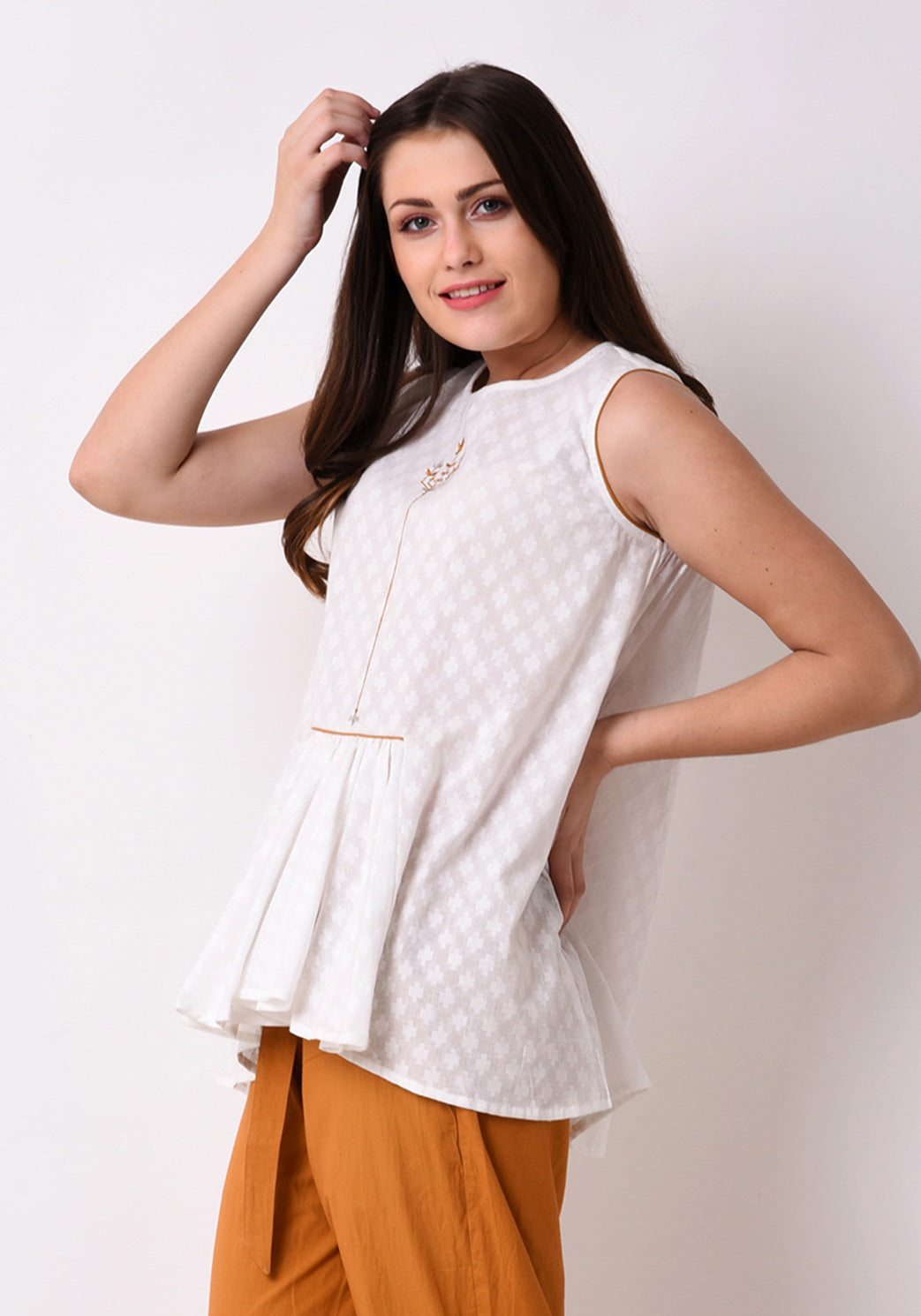 Doctor Dobby Gathered Embroidered Tunic - White