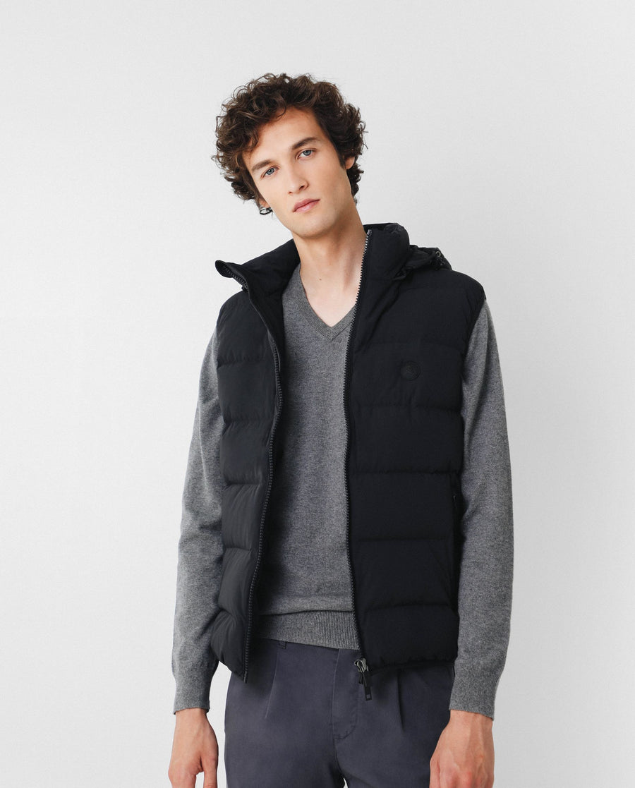 GILET WITH DETACHABLE HOOD