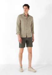 BERMUDA SHORTS WITH DARTS