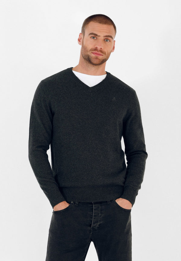 V-NECK SKULL SWEATER