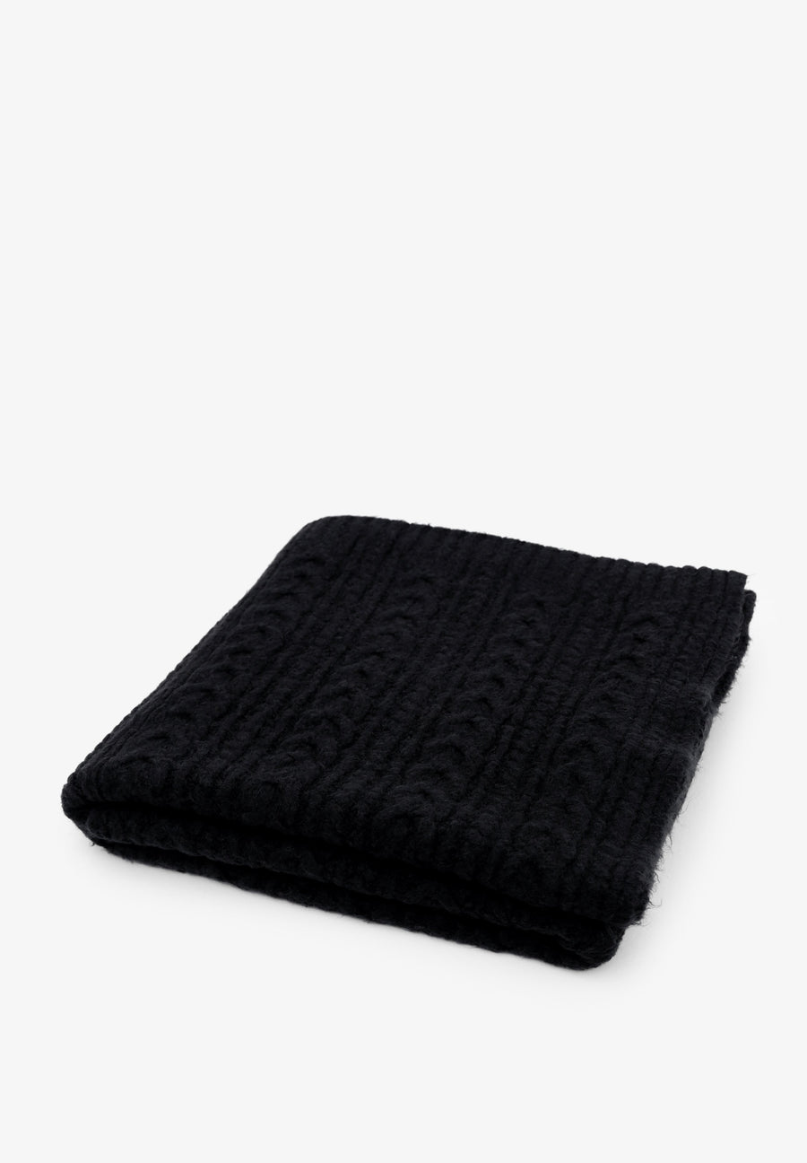SCALPERS CABLE KNIT THROW