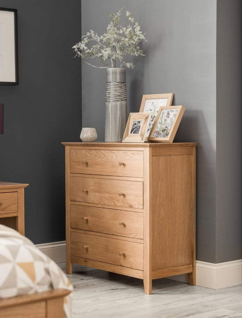 Julian Bowen Chest Of Drawers Salerno Shaker Oak 4 Drawer Chest Bed Kings