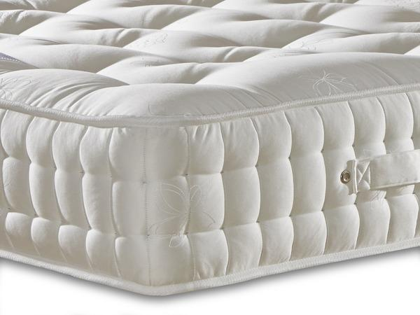 Natural Luxury - 1500 Pocket Spring Mattress - Medium Firmness