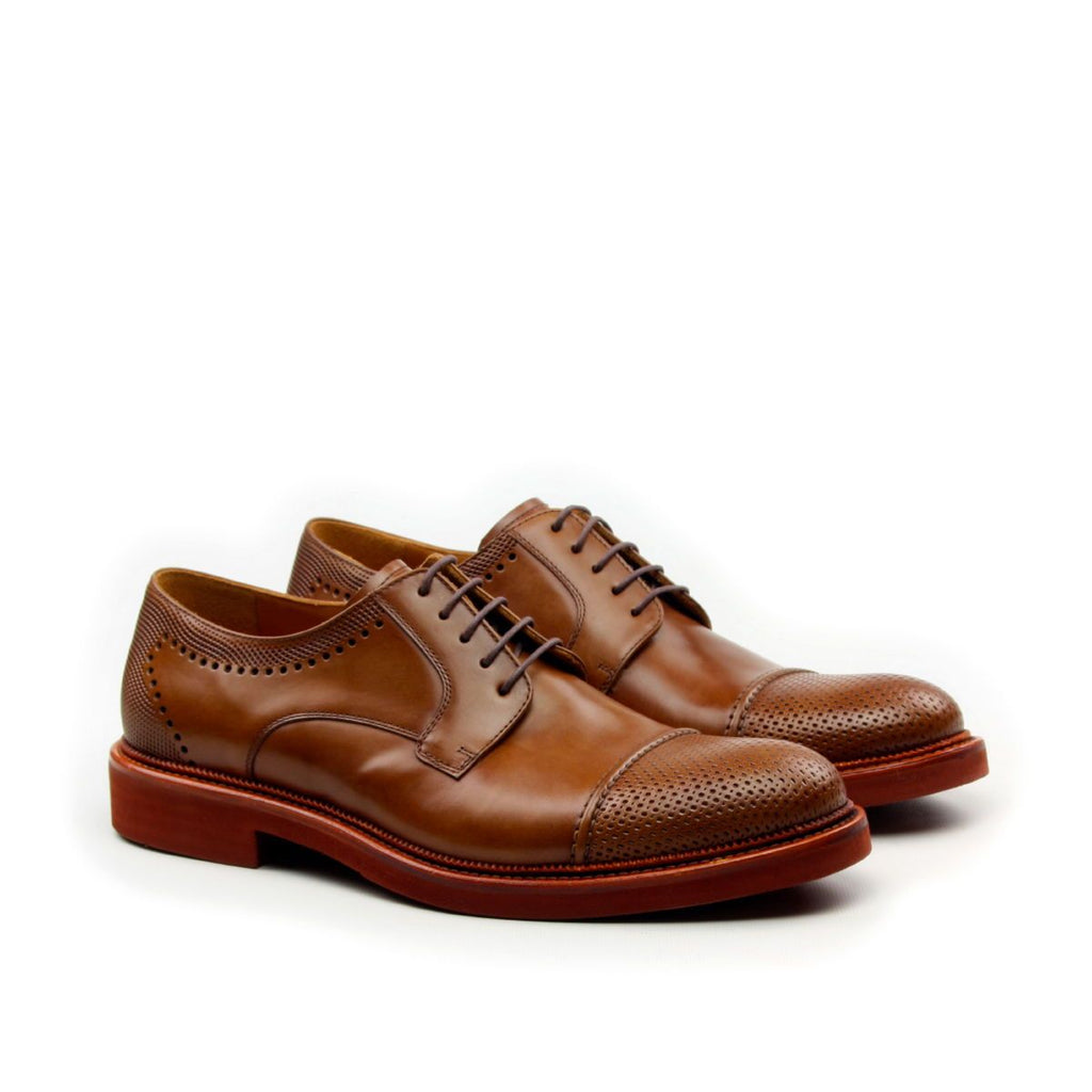 Omine Engraved Cap Toe And Back Derby