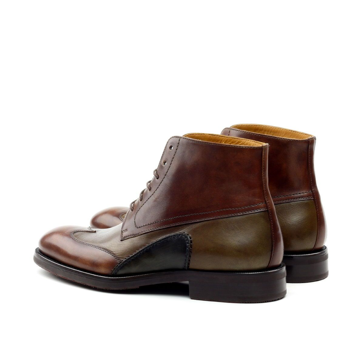 Omine Multicolor Wingtip Chukka Boot