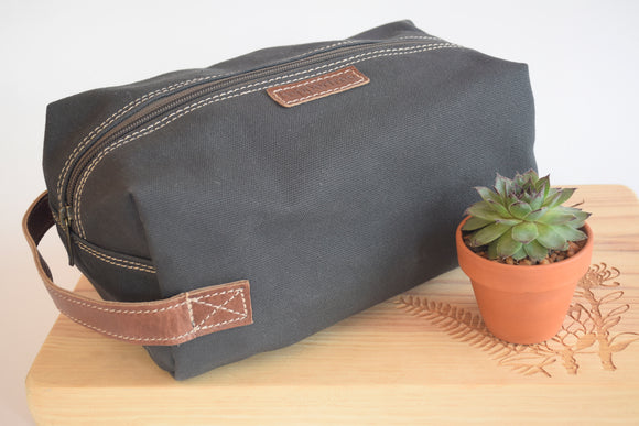 Men's Canvas Toiletry Bag (Charcoal)