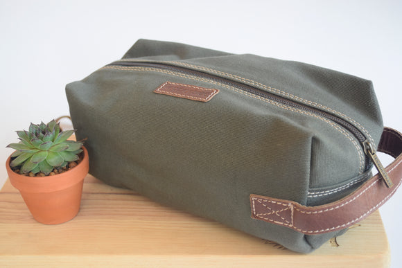 Men's Canvas Toiletry Bag (Olive)