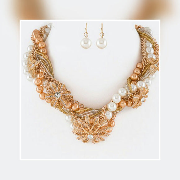 JEWELRY - Mix Media Twist Pearl & Chain Statement Necklace