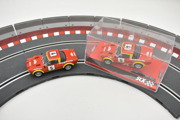 A10220X3U0 SCX 1/32 SLOT CAR FIAT 124 ABARTH SPIDER