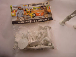 AIRFIX MOTOR RACING TRACK OFFICIALS & SPECTATORS  12 FIGURES (UNPAINTED)-ProTinkerToys.com-ProTinkerToys